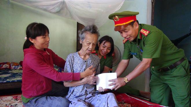 Nhiều việc làm thiết thực chăm sóc các Mẹ Việt Nam anh hùng, gia đình chính sách khó khăn