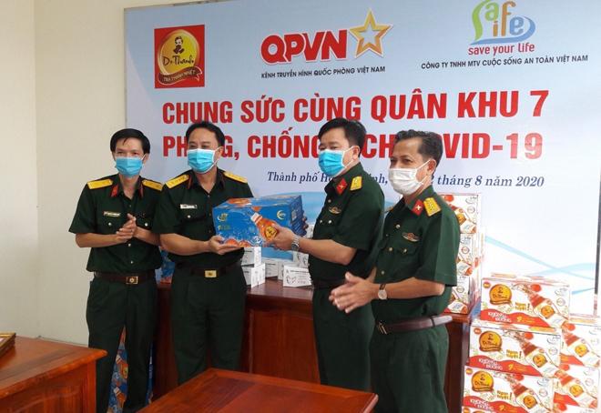 72.000 sản phẩm Trà Thanh Nhiệt Dr Thanh tiếp tục tiếp sức đồng bào, chiến sĩ - Ảnh minh hoạ 2