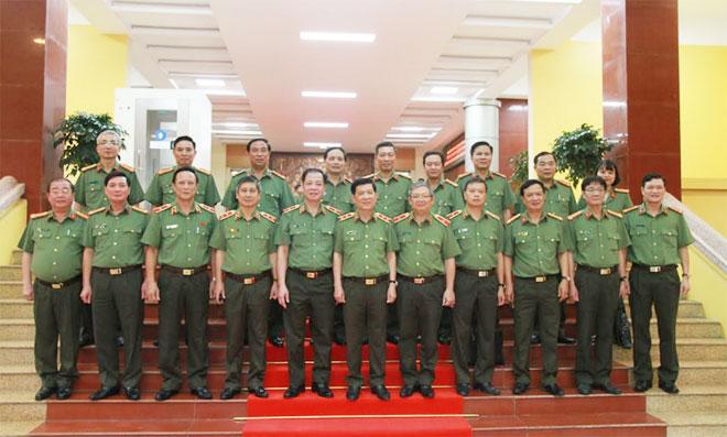 Thứ trưởng Nguyễn Văn Sơn làm việc tại Bộ Tư lệnh Cảnh vệ - Ảnh minh hoạ 2