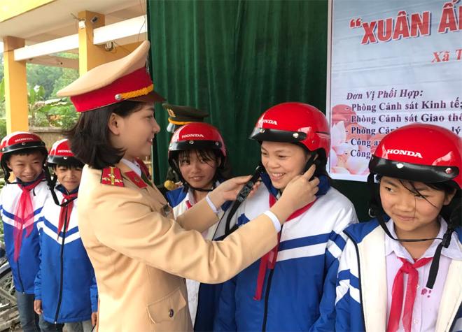 Nhiều sáng tạo của CSGT Lạng Sơn trong tuyên truyền về ATGT - Ảnh minh hoạ 2