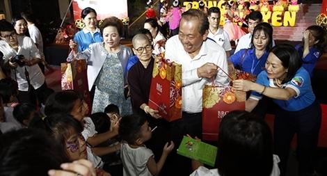 """Tập đoàn BRG góp """"Trăng Bình yên"""" tới trẻ em có hoàn cảnh đặc biệt"""