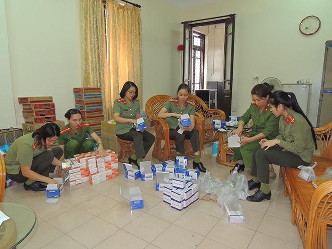 Công an Hà Nam vận động ủng hộ đồng bào miền Trung 10 tấn lương thực - Ảnh minh hoạ 2