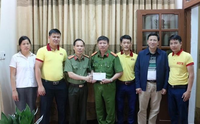 Báo CAND và Công ty NCT3 đưa yêu thương về vùng tâm lũ Quảng Bình - Ảnh minh hoạ 6