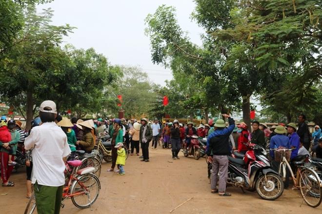 Báo CAND và Công ty NCT3 đưa yêu thương về vùng tâm lũ Quảng Bình