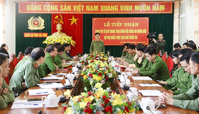Bộ Công an hỗ trợ cán bộ, chiến sỹ Công an và nhân dân vùng lũ Hà Tĩnh 3 tỷ đồng - Ảnh minh hoạ 9