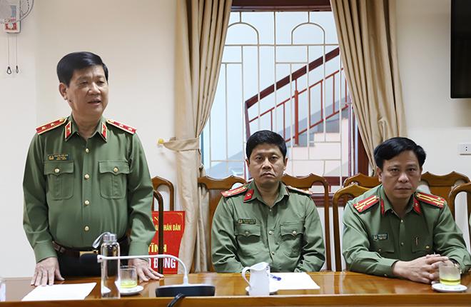 Bộ Công an hỗ trợ cán bộ, chiến sỹ Công an và nhân dân vùng lũ Hà Tĩnh 3 tỷ đồng - Ảnh minh hoạ 3