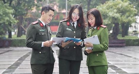 Ba cán bộ Công an trẻ tiêu biểu tham gia Diễn đàn Tri Thức trẻ Việt Nam toàn cầu