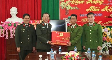 Thứ trưởng Trần Quốc Tỏ kiểm tra công tác tại Thái Nguyên