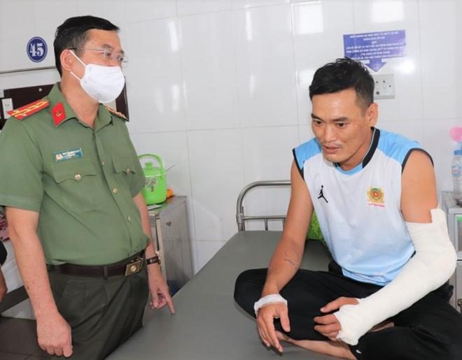 Thượng úy dũng cảm tấn công tội phạm ma túy