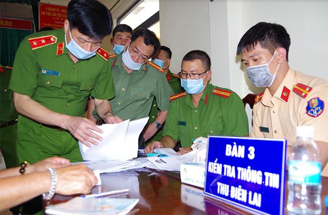 Thứ trưởng Nguyễn Duy Ngọc kiểm tra công tác cấp thẻ CCCD - Ảnh minh hoạ 2