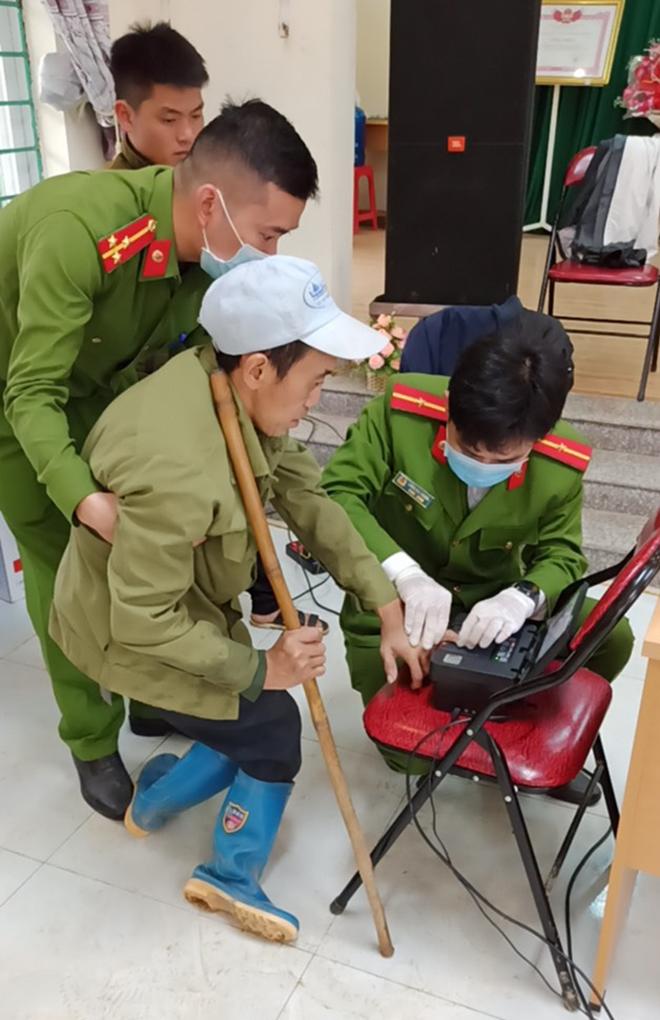 Công an huyện Nguyên Bình: Đẩy mạnh công tác cấp CCCD cho đồng bào