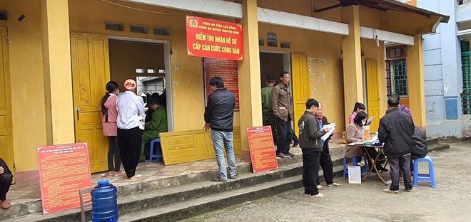 Công an huyện Nguyên Bình: Đẩy mạnh công tác cấp CCCD cho đồng bào - Ảnh minh hoạ 3