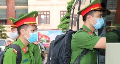 Công an Bắc Giang tăng cường CBCS cho tuyến đầu phòng chống dịch