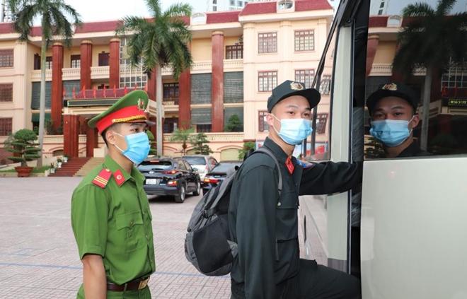Công an Bắc Giang tăng cường CBCS cho tuyến đầu phòng chống dịch - Ảnh minh hoạ 3