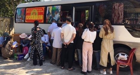 Công an Quảng Bình dùng xe ô tô lưu động để cấp CCCD
