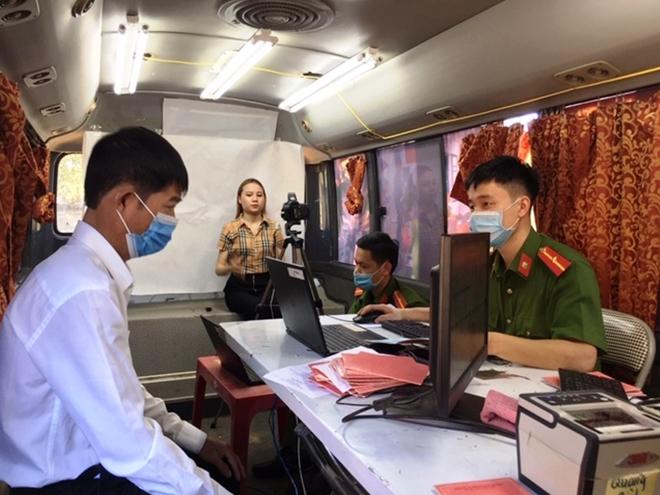 Công an Quảng Bình dùng xe ô tô lưu động để cấp CCCD - Ảnh minh hoạ 2