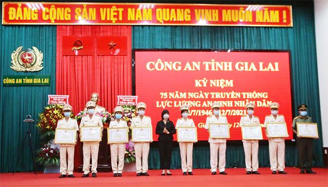 Công an các đơn vị, địa phương kỷ niệm 75 năm Ngày truyền thống lực lượng ANND - Ảnh minh hoạ 4
