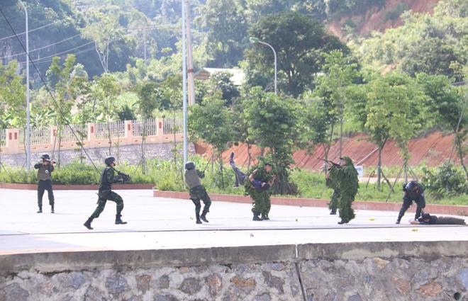Sơn La diễn tập khu vực phòng thủ và phòng, chống khủng bố - Ảnh minh hoạ 3
