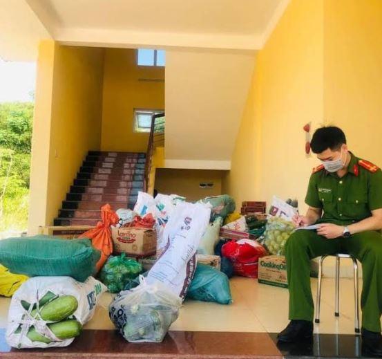 Công an Gio Linh quyên góp ủng hộ người dân TP Hồ Chí Minh - Ảnh minh hoạ 2