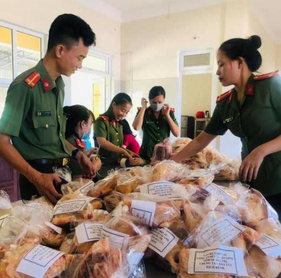 Công an Gio Linh quyên góp ủng hộ người dân TP Hồ Chí Minh - Ảnh minh hoạ 3