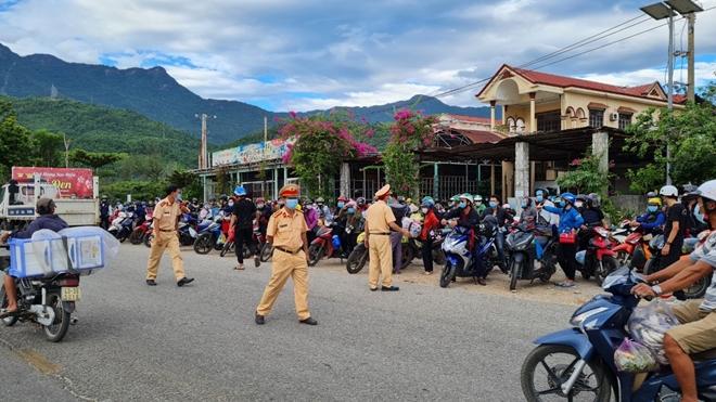 Dồn sức chống dịch ở cửa ngõ phía Nam Thừa Thiên-Huế