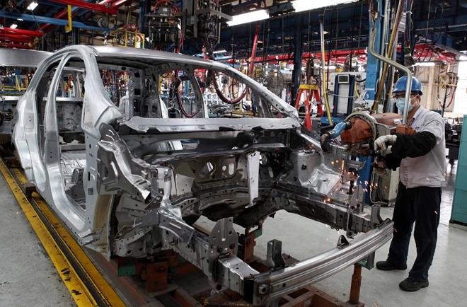 Đề xuất giải pháp phát triển, tạo điều kiện thuận lợi, đẩy mạnh công nghiệp ô tô tại Việt Nam.