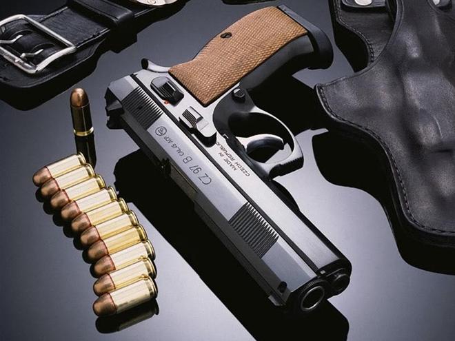 Mua súng ngắn và trăm viên đạn để…phòng thân