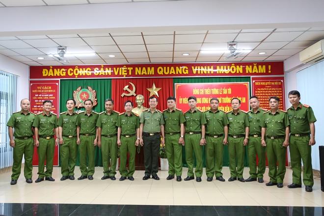 Công an huyện Bến Lức cần tập trung, chủ động trong công tác giữ gìn ANTT - Ảnh minh hoạ 3