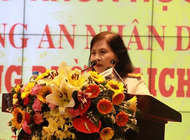 Đóng góp, cống hiến của các thế hệ phụ nữ Công an nhân dân trong đảm bảo an ninh trật tự - Ảnh minh hoạ 3