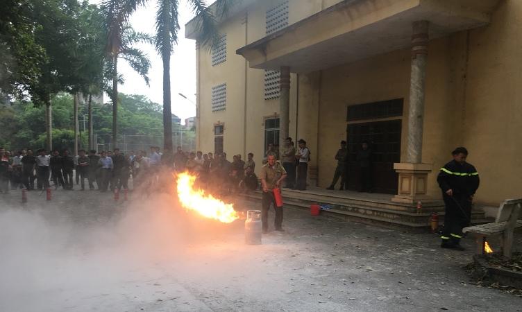 Tập huấn nghiệp vụ PCCC cho 315 cán bộ trên địa bàn huyện Thường Tín