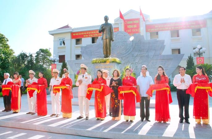 Chủ tịch nước Trần Đại Quang và những chuyến thị sát về Công an Ninh Bình