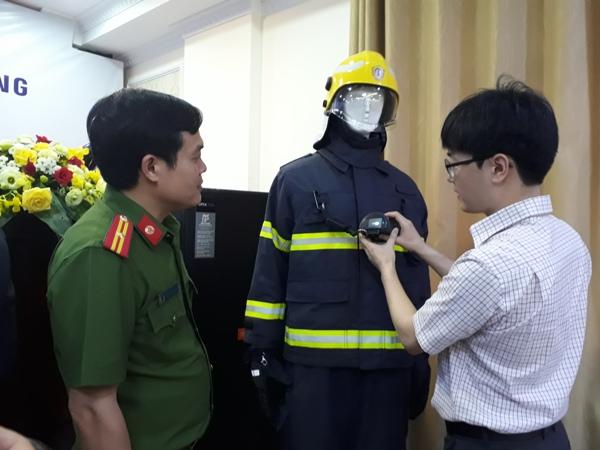 Chuyên gia Hàn Quốc hướng dẫn tính năng của camera phát hiện nhiệt IGNIS