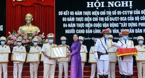 Công an tỉnh Tuyên Quang biểu dương điển hình thực hiện  Chỉ thị 05