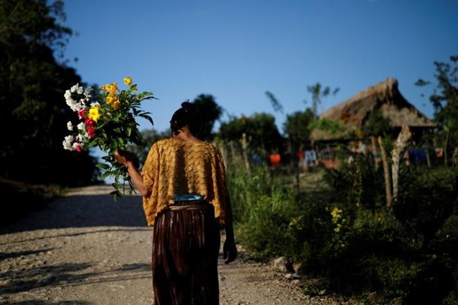 Ngày 25-12, thêm một cậu bé di cư cư khác từ Guatemala, 8 tuổi, bị thiệt mạng sau bị bị tạm giữ ở khu vực biên giới Mỹ. Các nhà nhân quyền Liên Hợp Quốc ngày 24-12 đã kêu gọi chính quyền Mỹ ngừng giam giữ trẻ em.