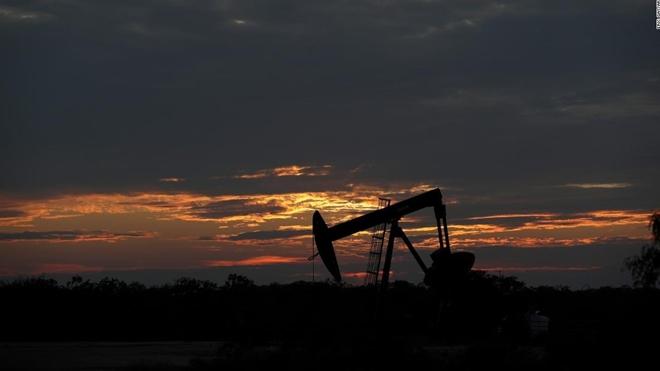 Giá dầu thô ở Mỹ rớt thảm hại về mức dưới 0 USD/thùng