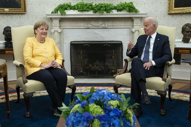 Tổng thống Mỹ tạm biệt Thủ tướng Đức tại Nhà Trắng