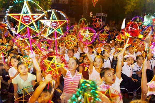 """""""Trung thu mơ ước"""" dành cho 800 trẻ em kém may mắn"""