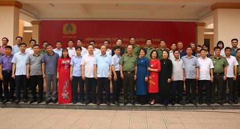 Thứ trưởng Nguyễn Văn Thành tri ân quê hương Lạc Thủy
