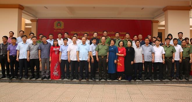 Thứ trưởng Nguyễn Văn Thành tri ân quê hương Lạc Thủy - Ảnh minh hoạ 7