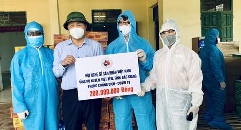 Nghệ sĩ sân khấu chung sức chống dịch tại Bắc Giang, Bắc Ninh