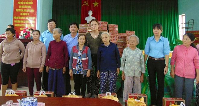 Sẻ chia khó khăn với bà con vùng lũ Quảng Nam - Ảnh minh hoạ 4
