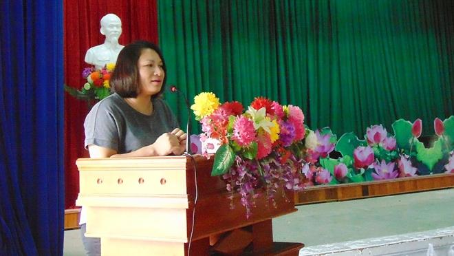 Sẻ chia khó khăn với bà con vùng lũ Quảng Nam