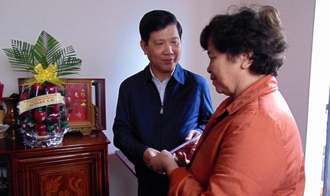Thứ trưởng Nguyễn Văn Sơn chúc Tết các gia đình nguyên cán bộ Công an cao cấp - Ảnh minh hoạ 3