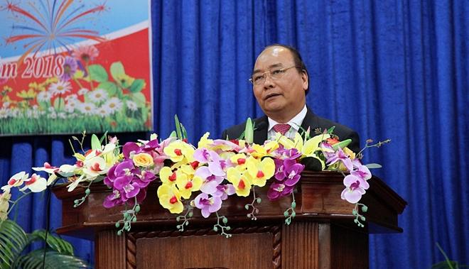 Thủ tướng Nguyễn Xuân Phúc nói chuyện với cán bộ huyện Quế Sơn, tỉnh Quảng Nam qua các thời kỳ.