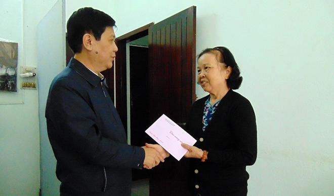 Thứ trưởng Nguyễn Văn Sơn chúc Tết các gia đình nguyên cán bộ Công an cao cấp - Ảnh minh hoạ 4