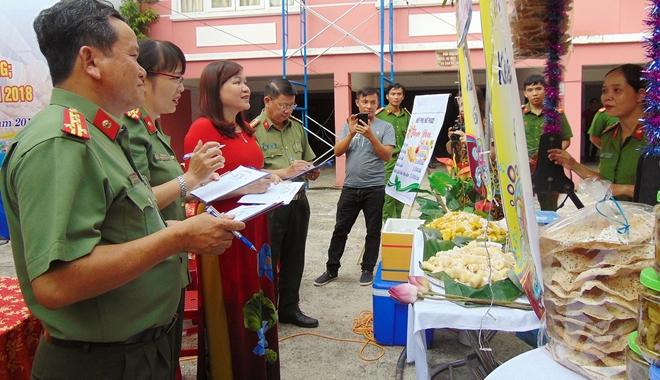 Hội chợ Ẩm thực Việt đồng hành cùng phụ nữ - trẻ em nghèo - Ảnh minh hoạ 3