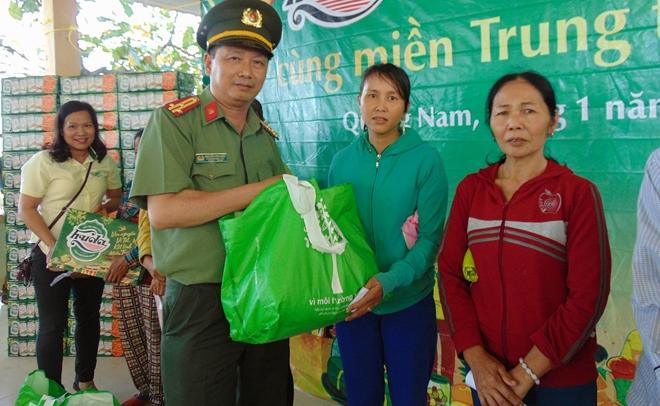 1.000 suất quà đến với người nghèo xứ Quảng - Ảnh minh hoạ 4