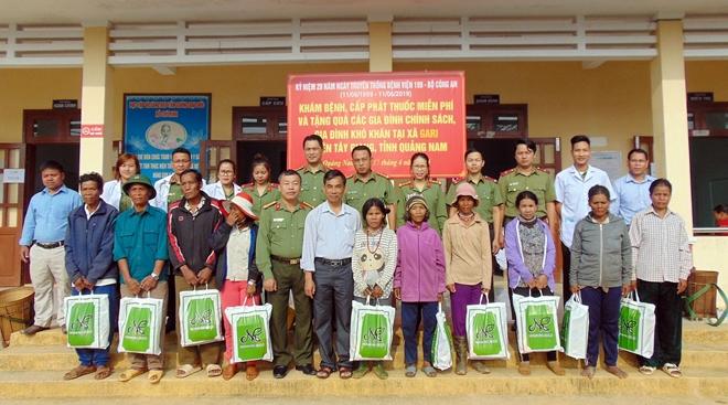 Bệnh viện 199 khám bệnh, cấp phát thuốc miễn phí cho người dân vùng biên giới Quảng Nam - Ảnh minh hoạ 2