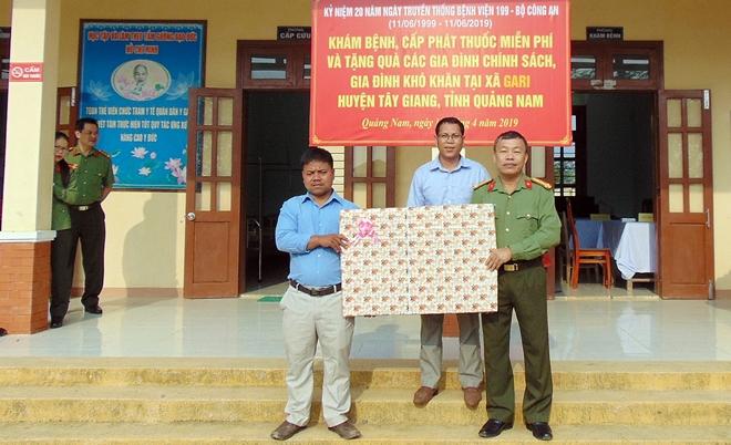 Bệnh viện 199 khám bệnh, cấp phát thuốc miễn phí cho người dân vùng biên giới Quảng Nam - Ảnh minh hoạ 7