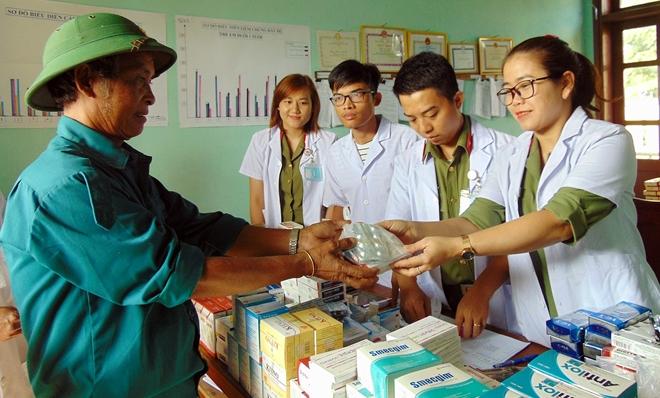 Bệnh viện 199 khám bệnh, cấp phát thuốc miễn phí cho người dân vùng biên giới Quảng Nam - Ảnh minh hoạ 4